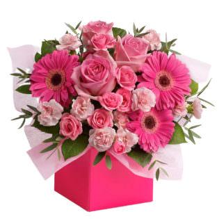 Цветы в коробке «Розовый микс»