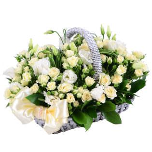 Цветы в корзинке «Эустомы»
